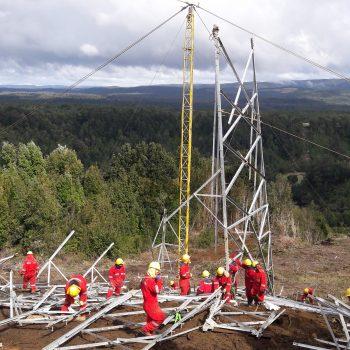 Construcción LT Chiloe Gamboa